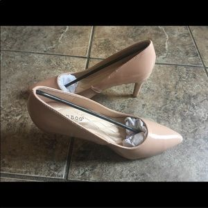 NEW Bamboo Nude Patent Leather Pumps Heels 7.5
